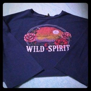 Long sleeved crop top shirt